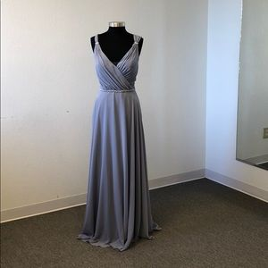 V neck with sparkle accents in dove